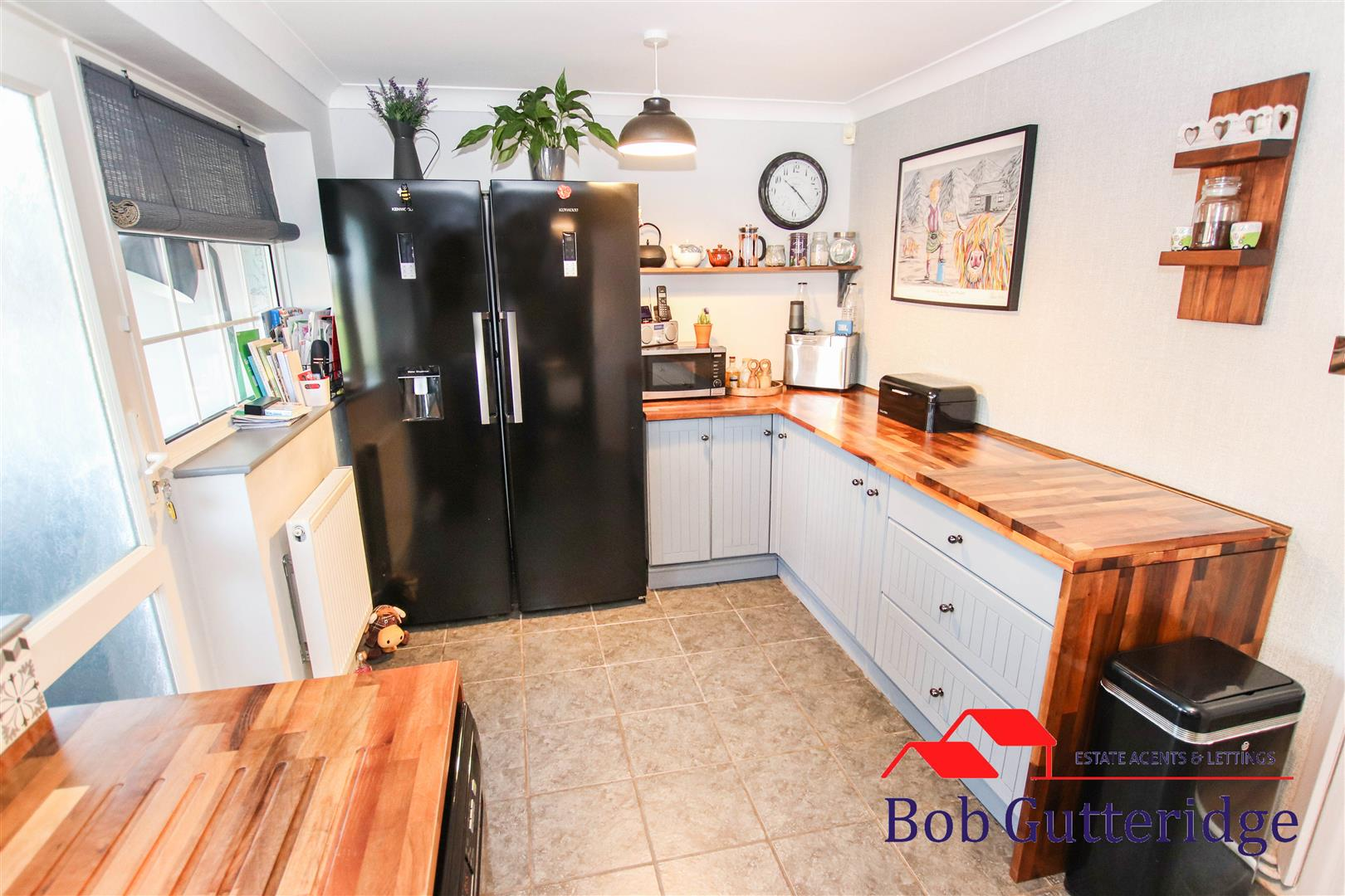 FITTED KITCHEN / DINER